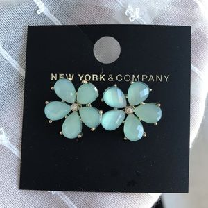Jewelry - Beautiful gold and teal flower statement earrings